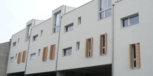 exemples de réalisations de chantiers de fermetures bois portes
