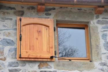 Exemples de r alisations de chantiers de fermetures bois portes et volets bo - Changer lame volet bois ...